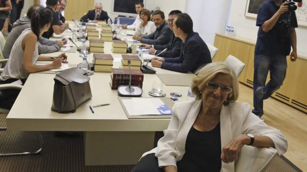 Carmena, en su primera Junta como alcaldesa