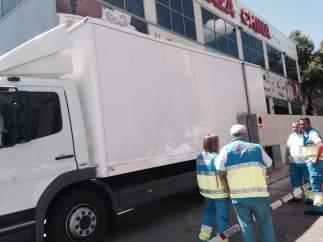 Un hombre fallece atrapado entre un muro y su camión.
