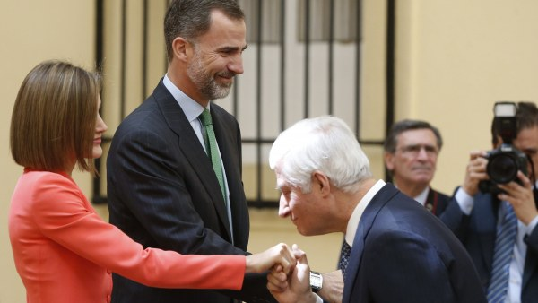 Los Reyes con el duque de Híjar