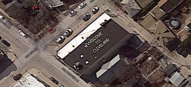 """""""Bienvenidos a Cleveland"""": la broma que reciben los viajeros que van a aterrizar en Milwaukee"""