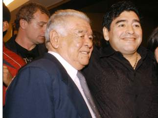 Diego Armando Maradona y su padre