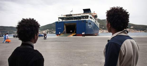 ¿Quiénes son los 27 refugiados que llegan a España? Hombres eritreos que huyen de la guerra