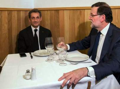 Rajoy y Sarkozy, en una tasca madrile�a