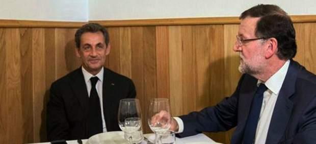 Bromas y memes en Twitter con la foto del almuerzo en una tasca entre Rajoy y Sarkozy