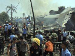 Al menos 30 muertos en un accidente de un avi�n H�rcules en Indonesia