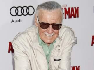Una masajista denuncia a Stan Lee por conducta sexual inapropiada