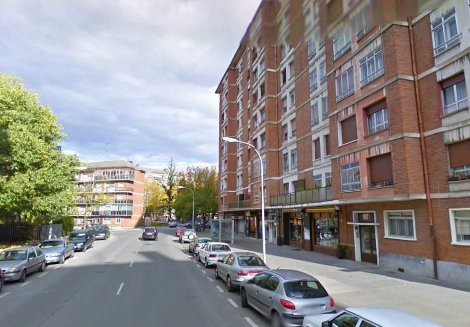 Fallece un ni o de unos 4 a os al caer de un quinto piso for Pisos com vitoria