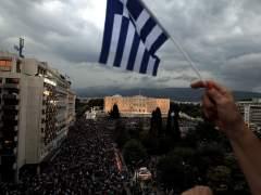 """Miles de griegos se manifiestan por el """"s�"""" en el refer�ndum"""