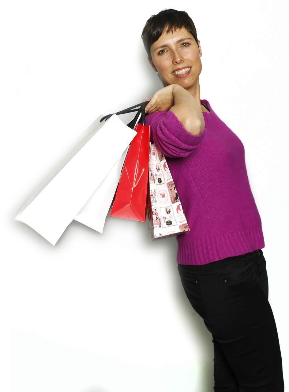 Marta Nebot lo compra todo por Internet. La periodista Marta Nebot explica que su vida ha cambiado en lo relacionado con el comercio: