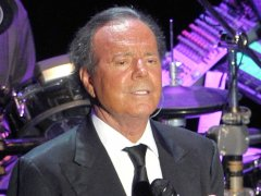 "Julio Iglesias: ""Donald Trump es un payaso"""
