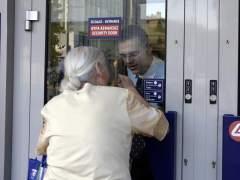 """Los bancos griegos abrir�n """"el martes o el mi�rcoles"""", pero seguir� el corralito"""