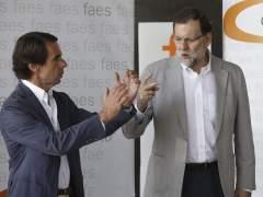 Rajoy y Aznar coinciden por primera vez tras las cr�ticas del expresidente
