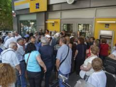 El BCE mantiene la liquidez a Grecia pero no alivia el 'corralito'