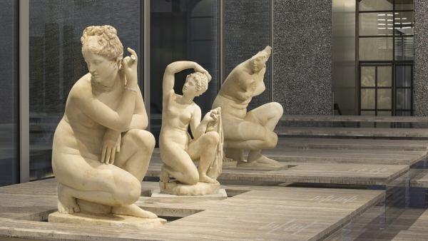 'Crouching Venus'
