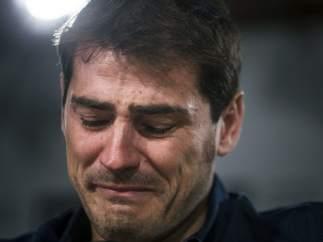 Iker, llorando