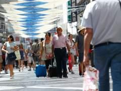 El Gobierno confirma que la llegada de turistas caerá en 2018 tras años de escalada sin freno