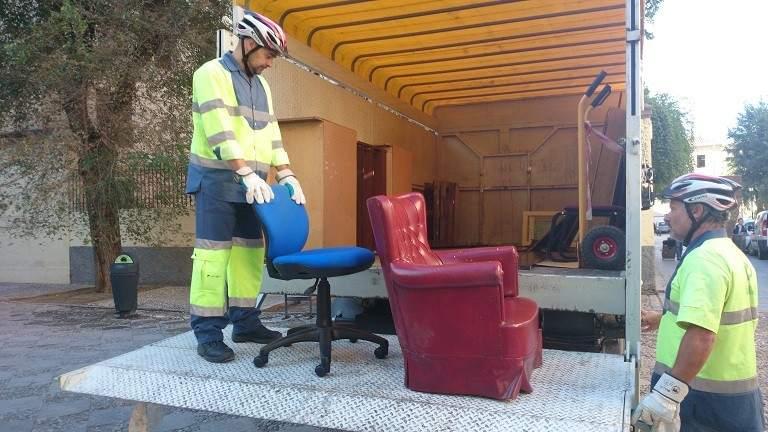 Recogida muebles granada simple muebles de hogar en for Reto madrid recogida muebles