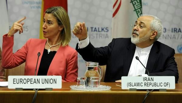 Federica Mogherini y Mohamad Javad Zarif