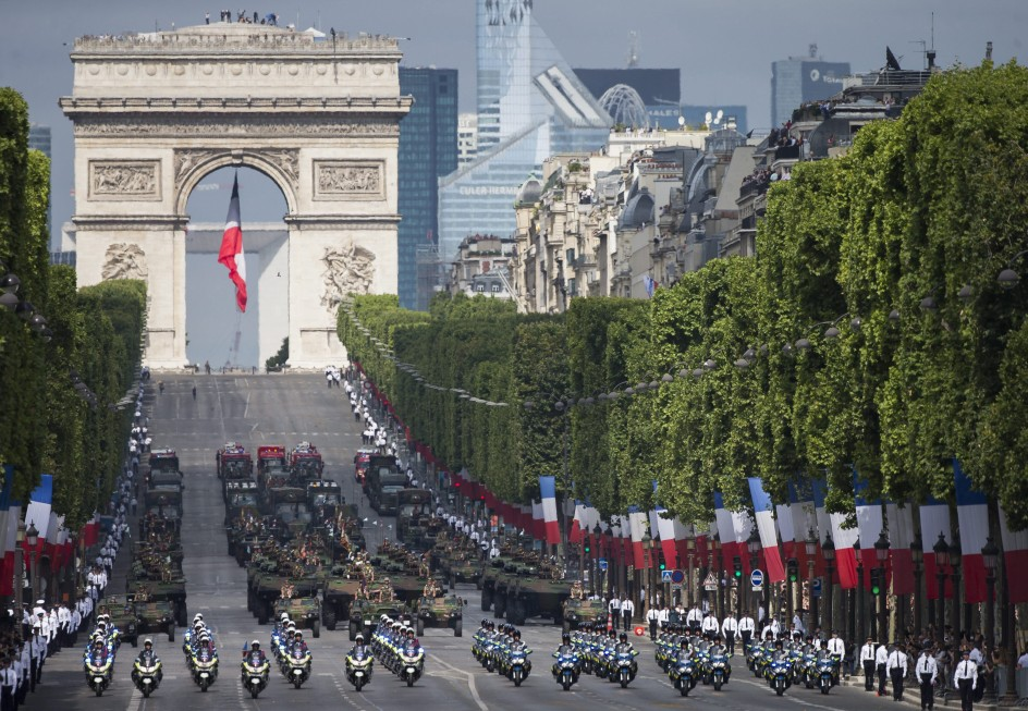 París celebra el 14 de julio