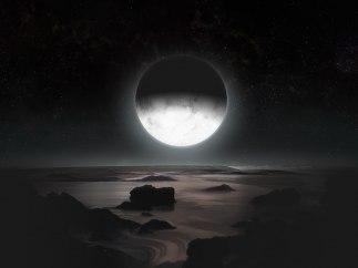 Cara nocturna de Plutón, iluminada por su luna Caronte