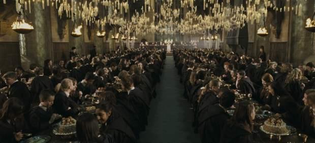 J.K. Rowling revela cuánto cuesta estudiar en Hogwarts