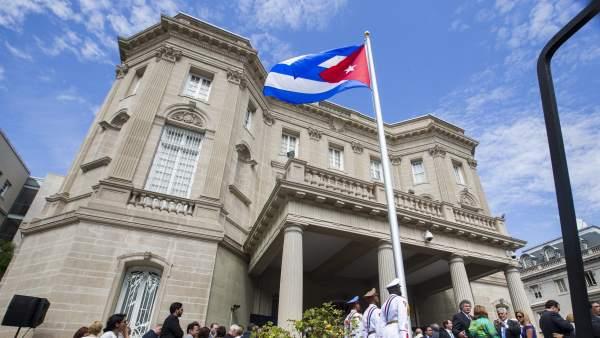 La bandera de Cuba ondea en Washington