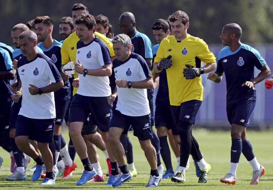 Entrenamiento de Casillas en Portugal