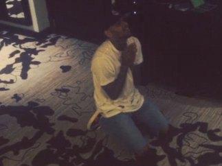 Chris Brown ruega que le dejen salir de Filipinas