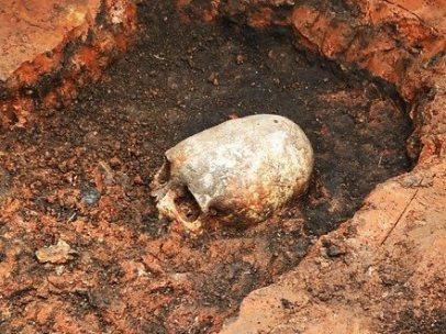 Cráneo del siglo II con aspecto alienígena