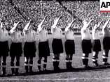 Jugadores ingleses hacen el saludo nazi