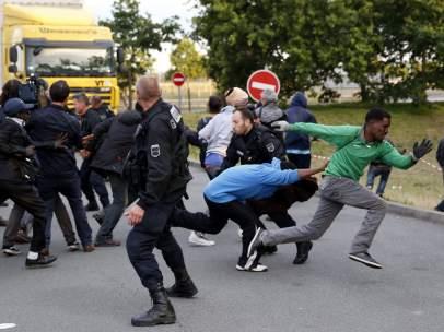Crisis migratoria en Calais, Francia