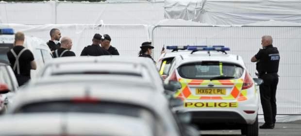 Despliegue policial tras el accidente aéreo.