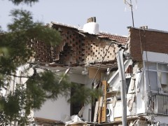 Se derrumba gran parte de un edificio de viviendas en Carabanchel
