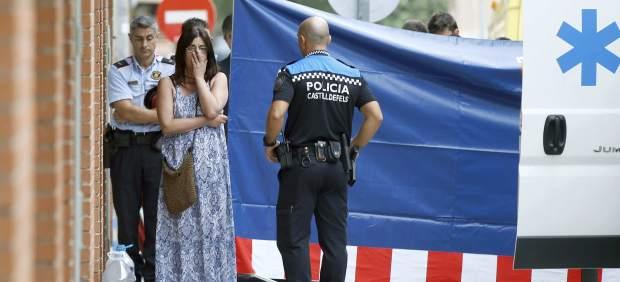 Arrestado tras matar de una puñalada a su expareja en plena calle en Castelldefels