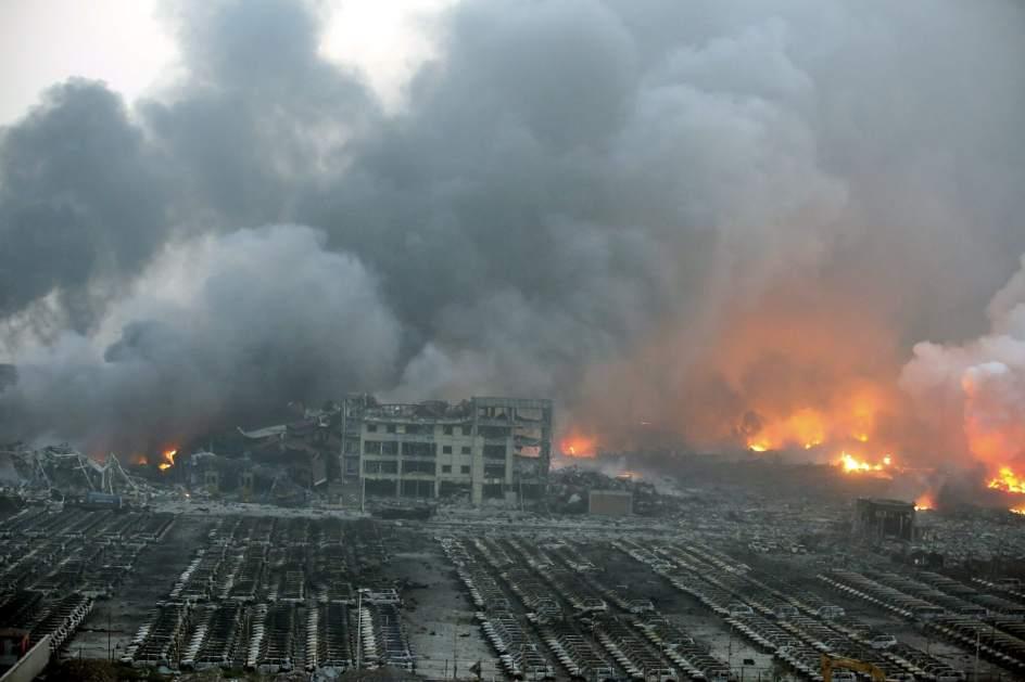 Al menos 50 muertos por varias explosiones en una zona industrial ...