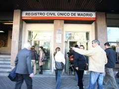 Cerca del fin a las colas en el Registro Civil para el primer tr�mite legal de la vida