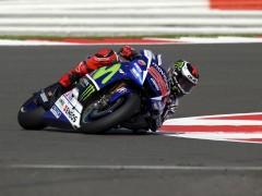 Lorenzo le da la r�plica a M�rquez en Silverstone
