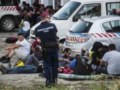 La Polic�a austr�aca retiene, en su frontera con Hungr�a, un tren con m�s de 300 refugiados