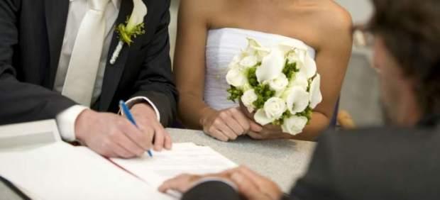 Un estudio asocia el no estar casado con un mayor riesgo de muerte por enfermedad coronaria o ...