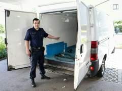 La camioneta con ni�os refugiados en estado grave tiene matr�cula espa�ola