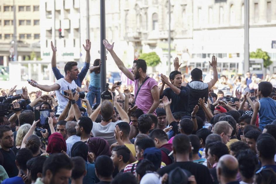 La estación de tren de Budapest no permite entrar a los refugiados