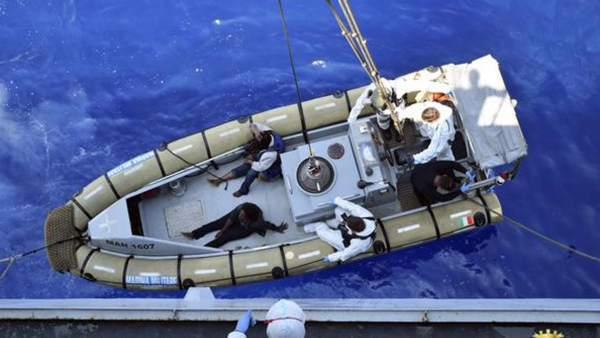 Cuatro refugiados mueren y 1.000 son rescatados al intentar alcanzar la costa de Italia