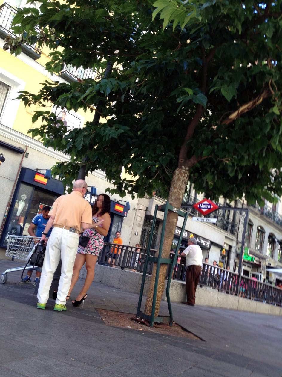 prostitutas en paris prostitutas independientes en madrid