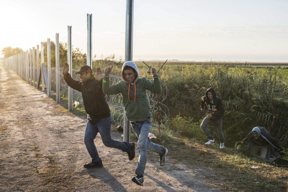 Continúa la llegada de migrantes a Hungría
