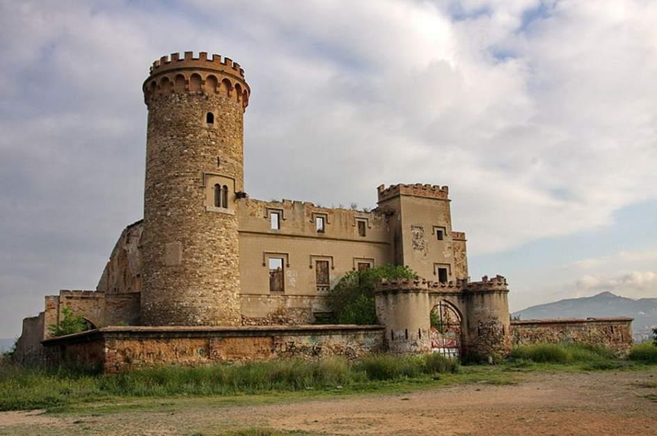 castillo en venta en galicia