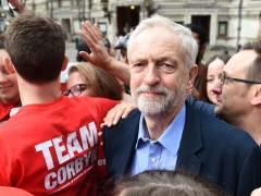Nueve portavoces laboristas dimiten en protesta por el liderazgo de Corbyn