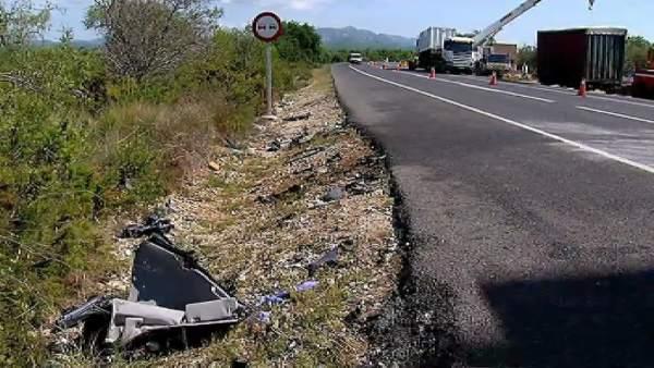Punto negro de circulación en la carretera N-340 a la altura de Camarles, en Tarragona