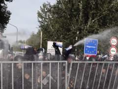 Hungría aprueba castigar con cárcel a quien ayude a refugiados o inmigrantes sin papeles