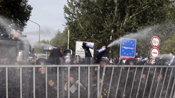 Gas pimienta contra los refugiados