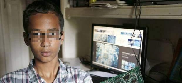 Detenido un menor musulmán por un reloj que su profesora confundió con una bomba